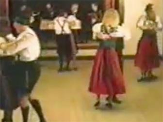 Filmstill - Volkstanz